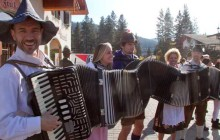 Richard of S-Bahn and guests with the Mondo Accordion